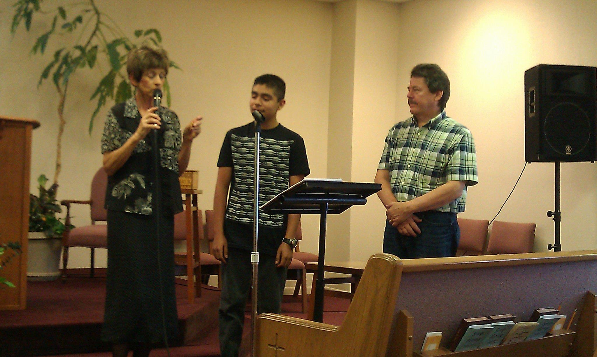 Andrew Samaniego receives the Light of God Award from Unity Church